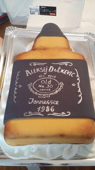 Butelio formos tortas Jack Daniels