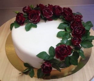 Tortas gyvos gėlės
