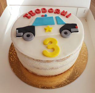 tortas berniukui policija